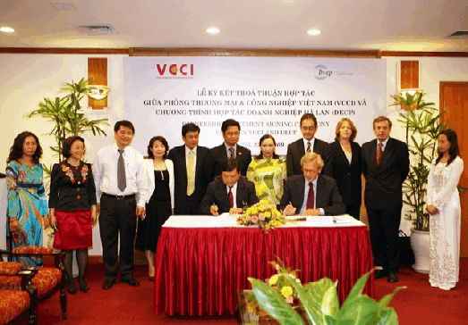 Partnership Agreement with the VCCI and workshop on Lobbying and Communication