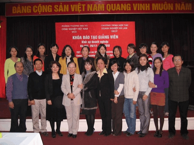 Training-of-trainers by the Vietnam Women Entrepreneur Council on 'Start your Business'.